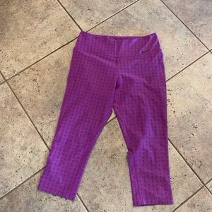 Excellent used condition Nike Capri Workout pants